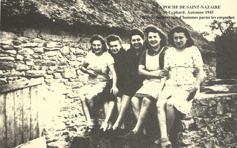 Carte postale publiée en 1985 à l'occasion du 40e anniversaire de la libération de la poche de Saint-Nazaire. Collection particulière.