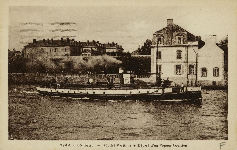L'hôpital maritime de Lorient où est soigné Jean Bruchec après son séjour à l'hôpital militaire de Vannes. Carte postale. Musée de Bretagne : 993.0133.2100.