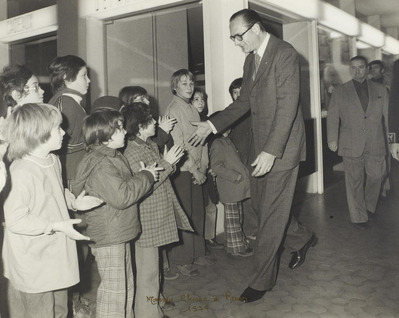 Jacques Chirac en visite à Rennes, 1979. Cliché Sigismond Michalowski. Musée de Bretagne: 986.0028.44593.