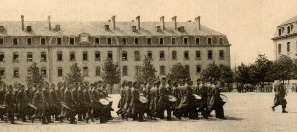 Le musique du 48e RI de Guingamp, carte postale (détail). Collection privée Cyrille L'Hénoret.