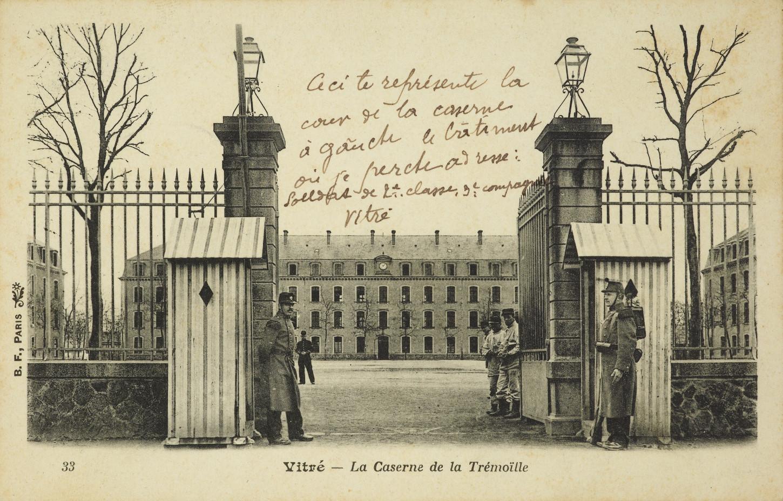 La caserne de la Trémoille à Vitré, carte postale. Musée de Bretagne: 973.0048.112.