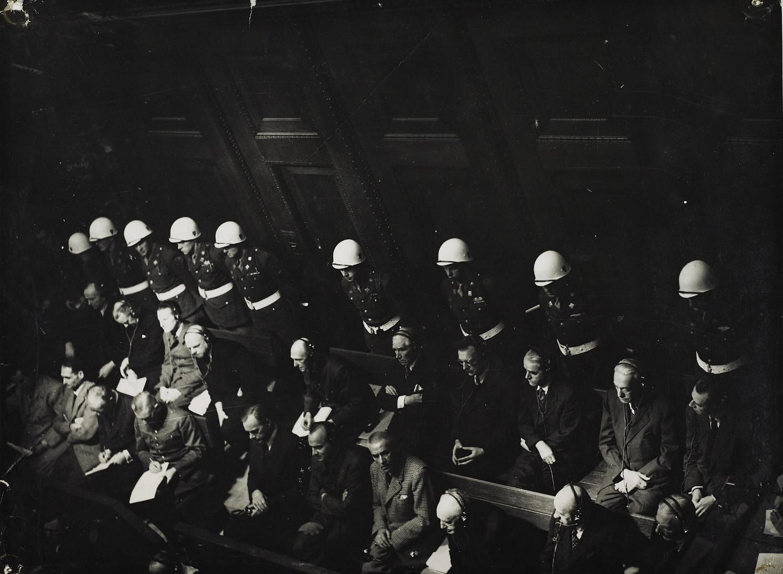 Parmi les accusés du procès de Nuremberg, l'amiral Karl Dönitz, sans date. Musée de Bretagne: 990.0032.784.