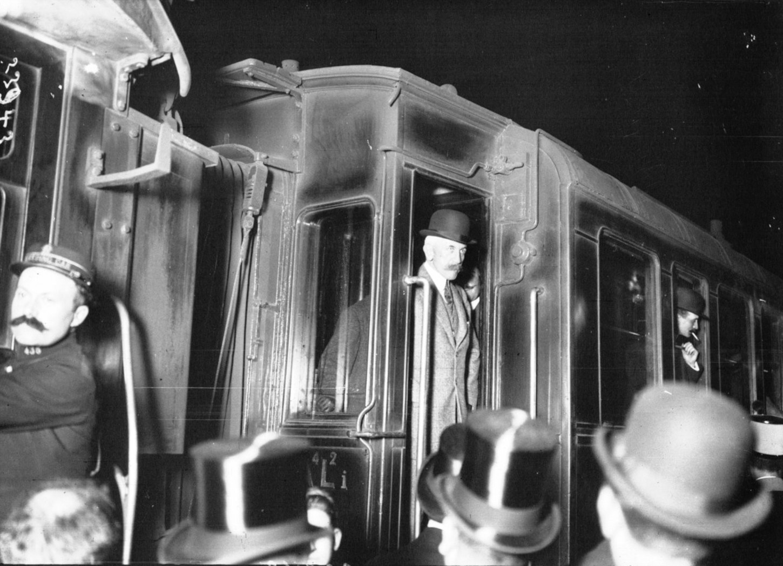 Le départ du général Lyautey pour le Maroc, 7 mai 1912. Gallica / Bibliothèque national de France : département Estampes et photographie, EI-13 (2476).