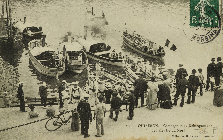 Port-Maria, une compagnie de débarquement de l'Escadre du Nord, Carte postale. Musée de Bretagne: 995.0008.3594.