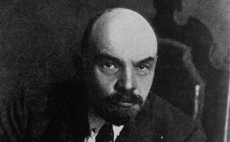 Lénine, portrait de l'agence de presse Meurisse, 1921 (détail). Gallica / Bibliothèque nationale de France: département Estampes et photographie, EI-13 (2693).