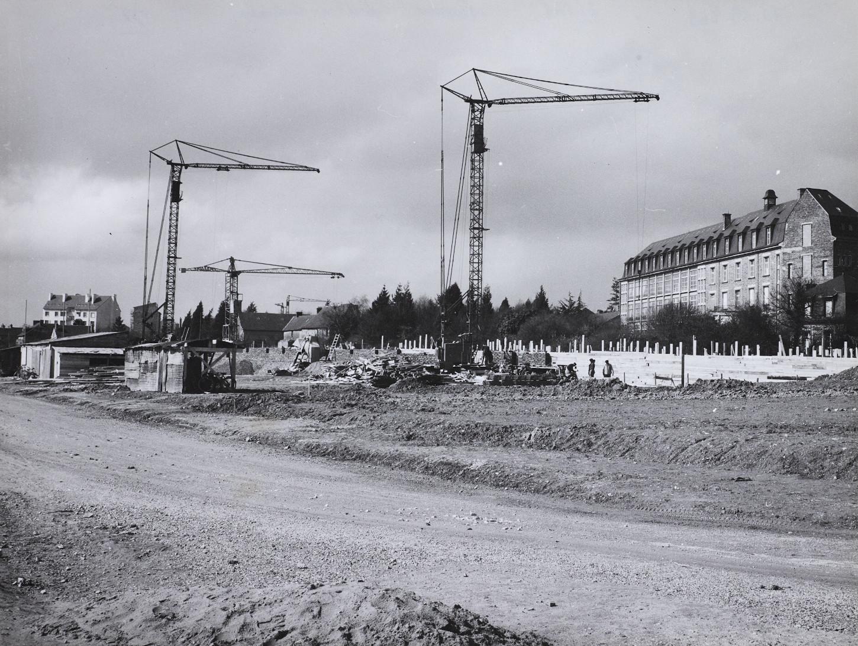 Un chantier dans le quartier de Cleunay, 1956. Musée de Bretagne: 978.0088.26.