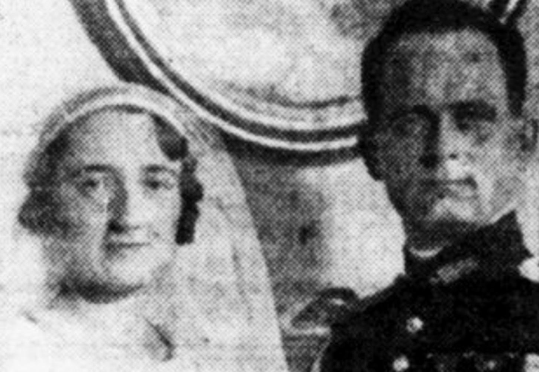 Le capitaine André Zeller, le 23 décembre 1933, lors de son mariage avec Elisabeth Siméon, cliché publié dans le quotidien Le Jour le 24 décembre 1933. Bibliothèque nationale de France / Retronews.